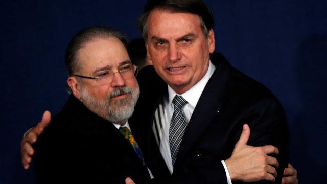 Aras pede arquivamento de queixa-crime contra Bolsonaro por violação da LSN