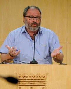 El concejal Javier Barbero durante una rueda de prensa en el Consistorio.- Felix Moreno