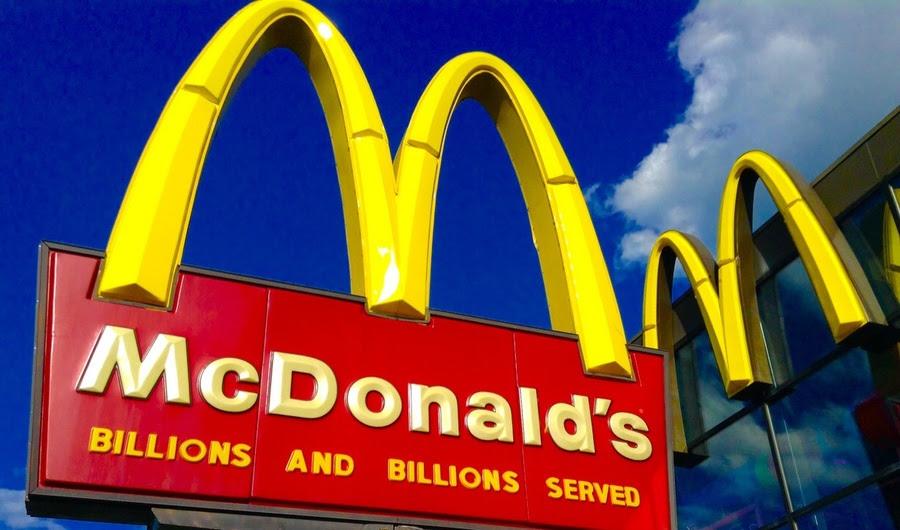 Seis artistas de rua ameaçam a McDonald's com processo por infração de direitos autorais