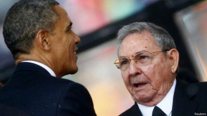 美國總統奧巴馬與古巴領導人勞爾·卡斯特羅(資料照片)