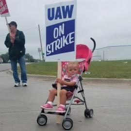 В США бастуют около 50000 рабочих General Motors, членов UAW
