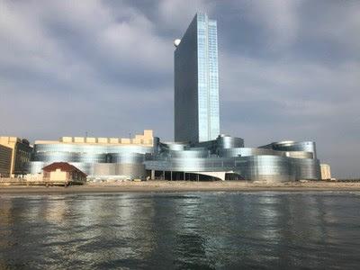 O recém-adquirido Ocean Resort Casino no Calçadão de Atlantic City, antigamente conhecido como Revel, foi construído em abril de 2012 com um investimento de aproximadamente $3 bilhões e será reaberto no verão de 2018.  Fonte:  AC OCEAN WALK (PRNewsfoto/AC OCEAN WALK)