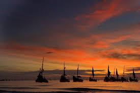 Image result for thuyền câu về bến