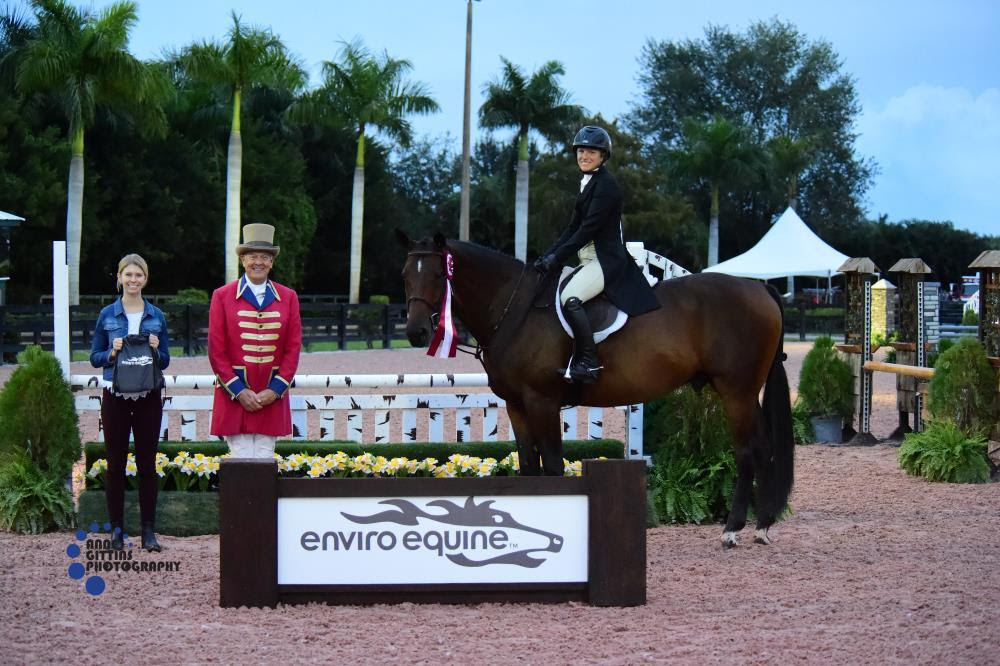 Meredith Gallagher and Rebel De Vizy_ winners of the Enviro Equine Best Turned Out Award Photo_ PBIEC _ Anne Gittins Photography
