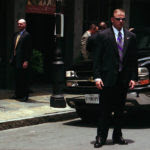 Secret_Service_agents_stand_guard