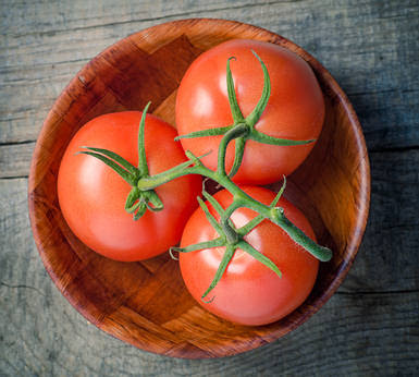 http://www.top10homeremedies.com/wp-content/uploads/2014/04/tomatoes-opt.jpg