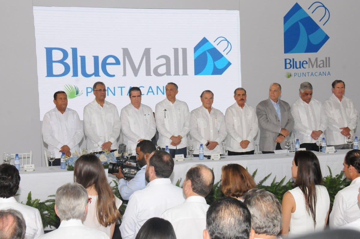 Danilo Medina asiste a inauguración del centro comercial Blue Mall en Punta Cana