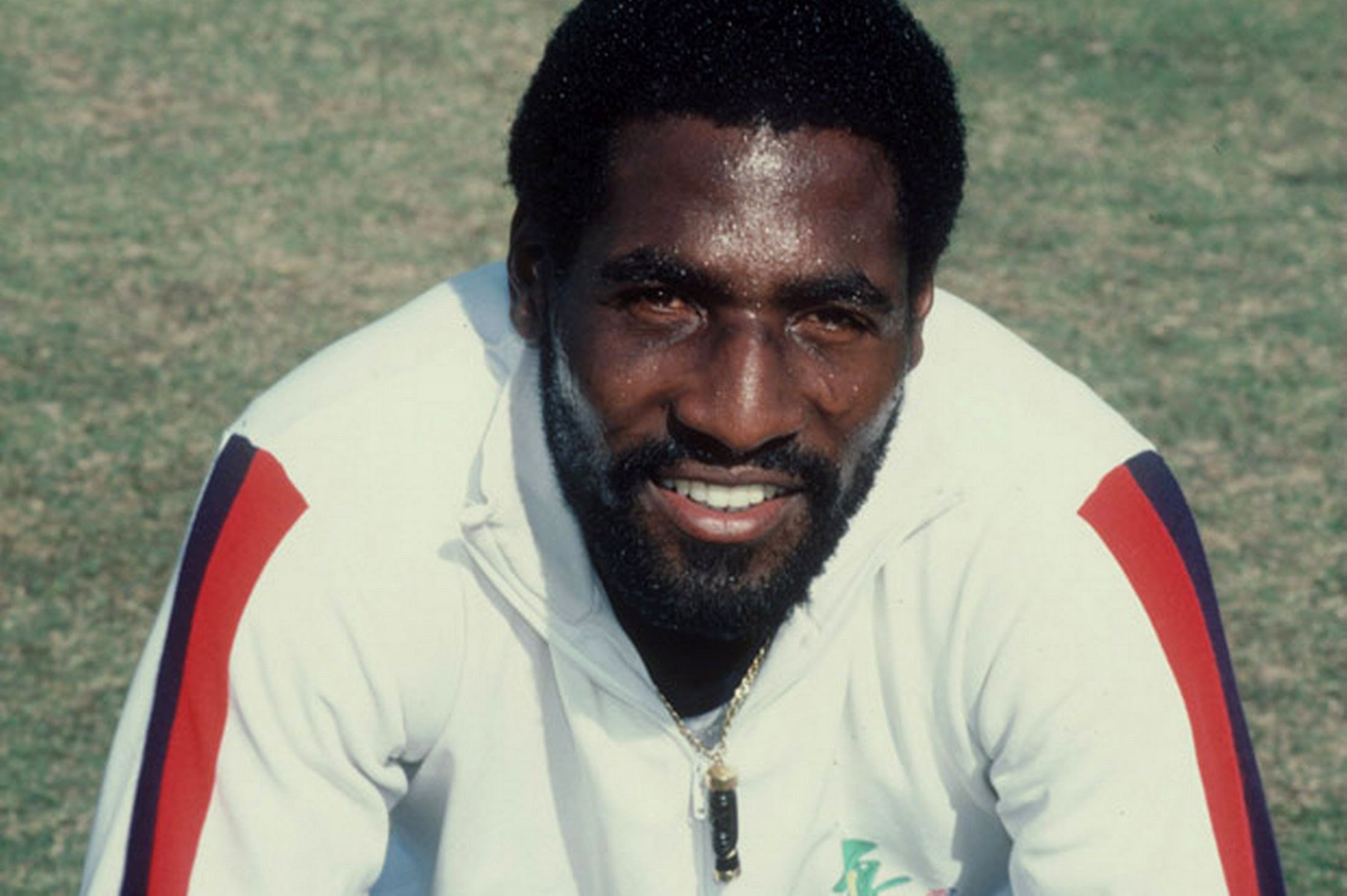 Vivian Richards entered into the footballing career in the year 1974
