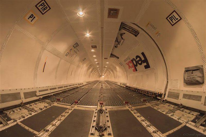 empty cargo<br>                                                          plane