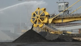 Insight: China iron ore imports boom