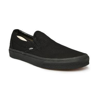 Vans U Classic Sepatu Slip-On Pria - Black [VN000EYEBKA]