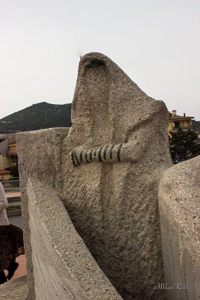 Sardinia tefillin sculpture