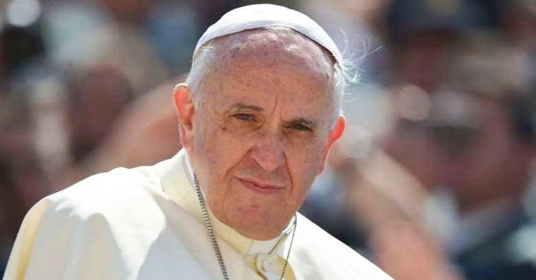 papa francisco mirada profunda de frente plaza san pedro