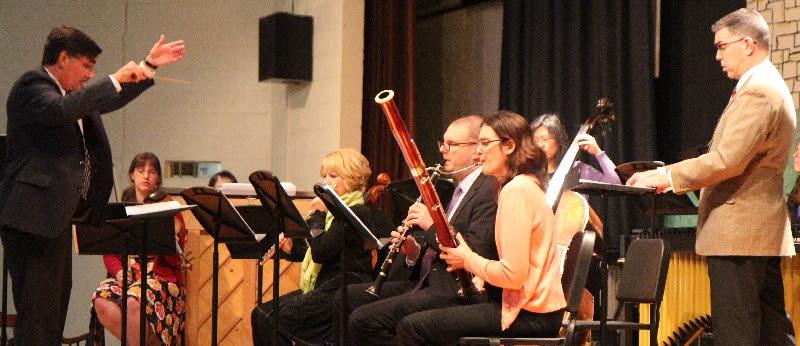 Cayambis Sinfonietta performing Eremuk