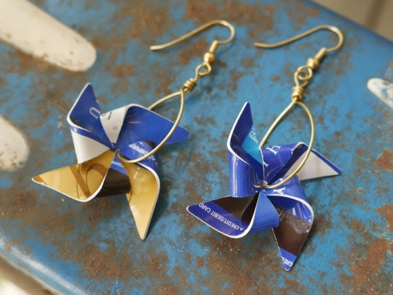 Medium Pinwheel earrings - upcycled gift cards