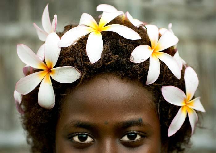 http://chicquero.files.wordpress.com/2012/03/international-womens-day-chicquero-papua-islands.jpg?w=800