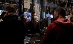 EEUU lidera el número de contagiados por covid-19 en el mundo, superando a China