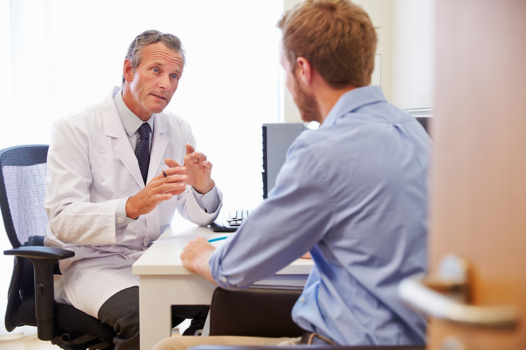 Image of doctor counseling patient_AHRQ Opioid Prev/Training/Treatment