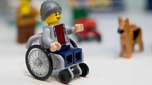 Personagem cadeirante faz parte de caixa de Lego da linha City e será lançado no Brasil em novembro