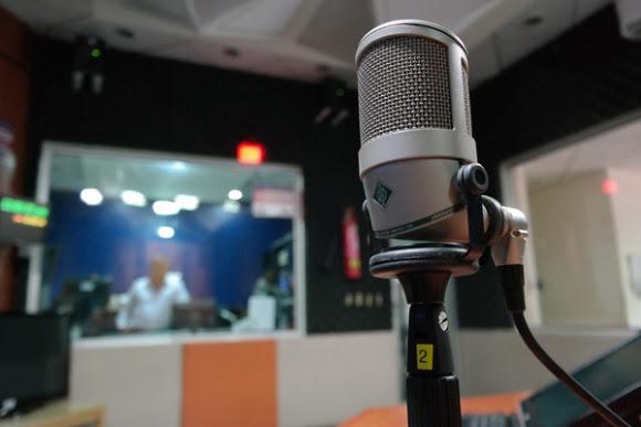 Micrófono de radio. Foto: Pixabay