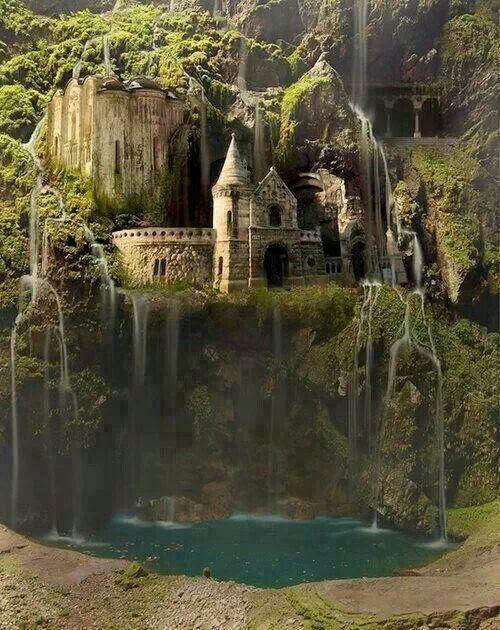 Водопад замок. Зачарованный лес. Польша