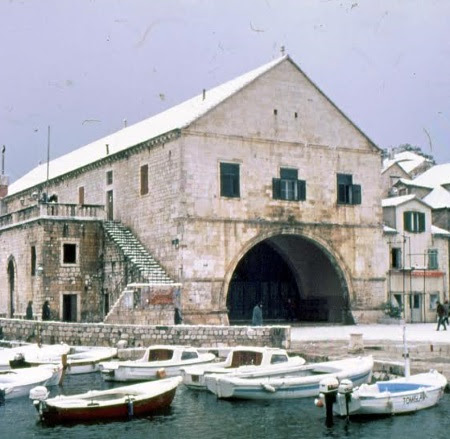 Slikovni rezultat za Galerija arsenal hvar