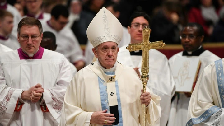 """Pope Francis apologised for """"losing patience"""" with a woman who grabbed him on New Year's Eve and later denounced """"all violence against women"""""""