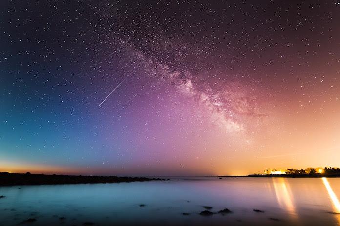 Comme chaque année, la pluie d'étoiles filantes des Géminides revient… Et c'est ce soir !