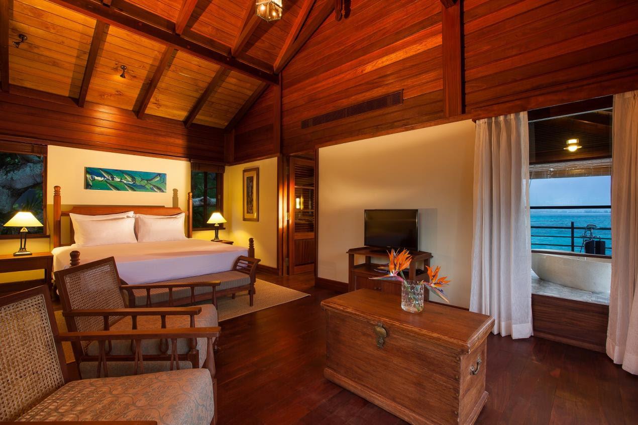 Enchanted Island Resort - Bedroom, Villa Flanbwayan