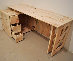 "Pallet Wood ""Dad"" Desk"