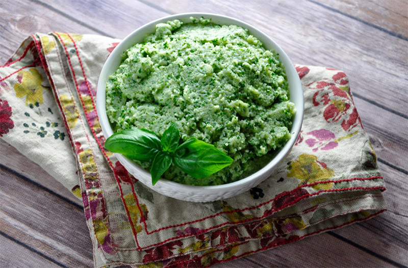 Garlic Mashed Cauliflower with Kale
