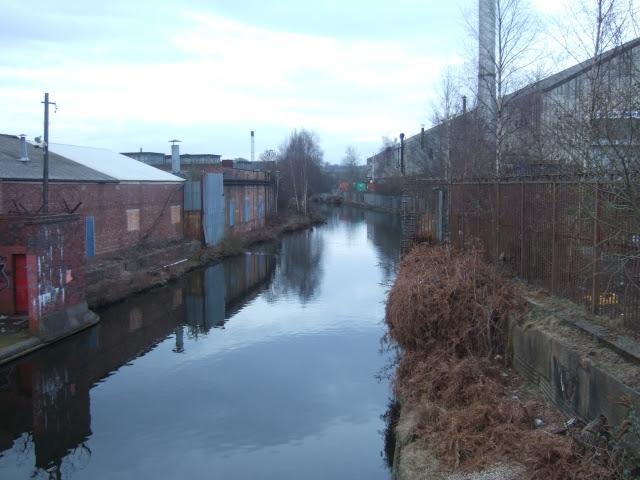 File:The Icknield Port Loop canal - geograph.org.uk - 1759452.jpg