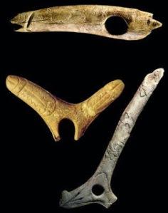 El doble falo de la imagen forma parte de un bastón encontrado en la cueva francesa de George D´Enfer