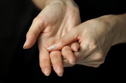 hand stretching pain free