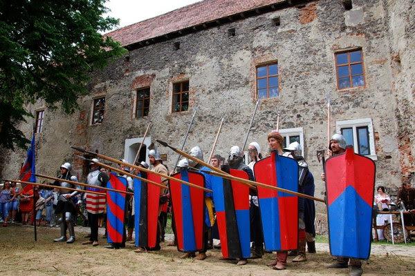 Історичний фестиваль Срібний Татош