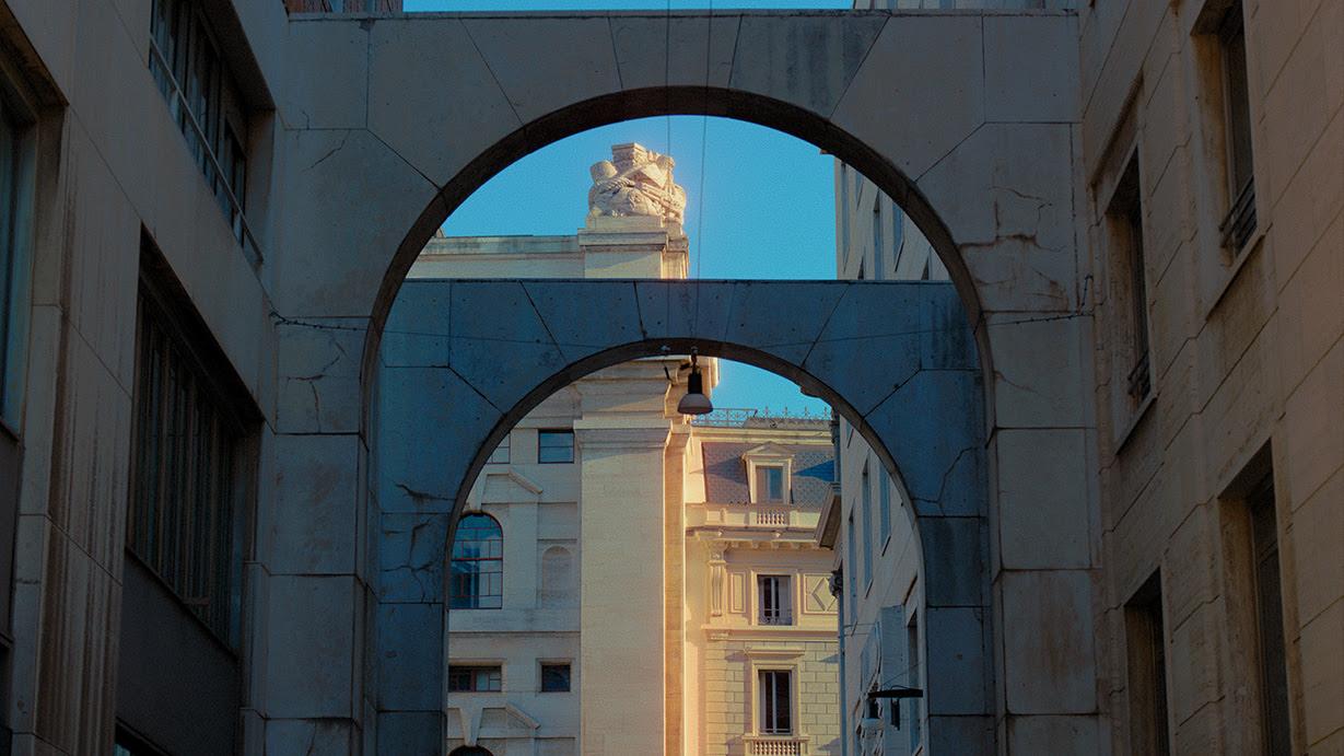 9377aba9 d2eb 42ef b3d5 31ee90326621 - Luca Guadagnino dirige el fashion film de Salvatore Ferragamo Primavera/Verano 2021