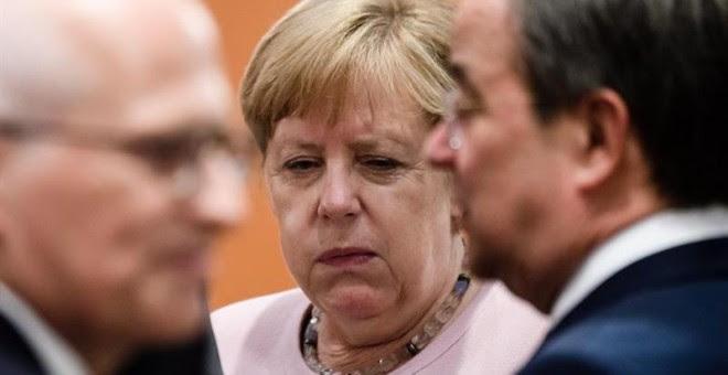 La canciller alemana, Angela Merkel, durante una reunión con líderes federales en la Cancillería de Berín. - EFE