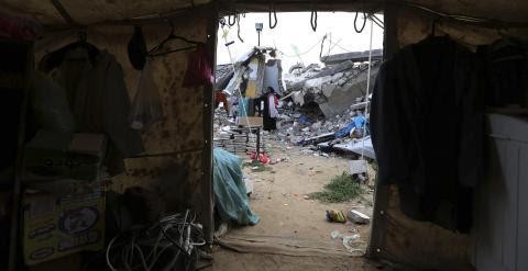 Cerca de 90.000 familias en Gaza siguen sin hogar. - REUTERS