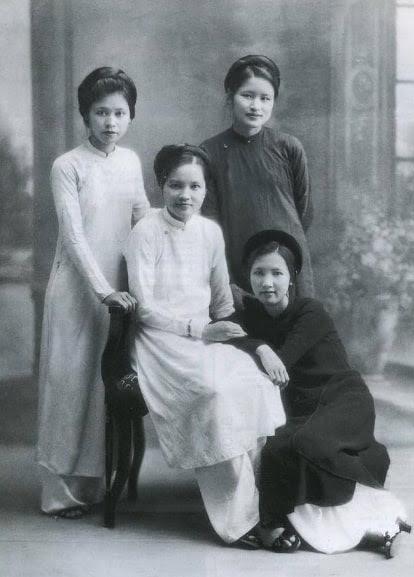 Con gái Hà Nội xưa