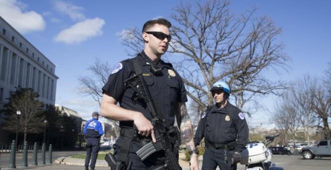 Imagen de archivo de un policía de EEUU. EFE/Archivo.