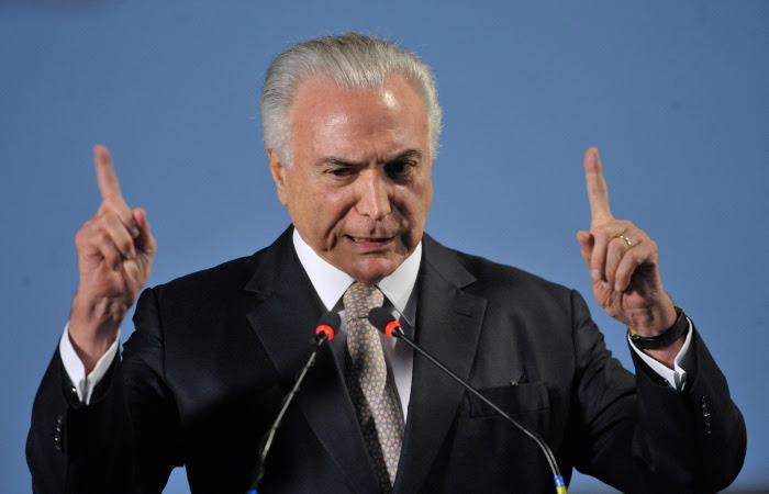 A medida traria, segundo o presidente, menor dependência do mercado externo de petróleo e consequente redução no preço dos combustíveis. Foto: Fábio Rodrigues Pozzebom/Agência Brasil