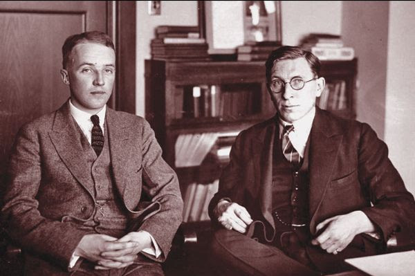 Charles Best (left) and Frederick Banting (right).