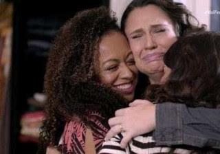 Fernanda Souza chora ao reencontrar ex-chiquititas: 'Faria de novo'