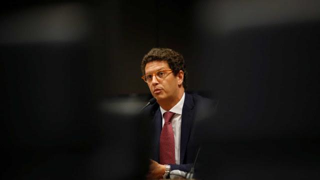 Empresários elevam pressão por demissão do ministro Salles