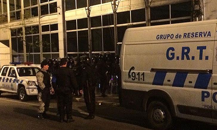 incidentes-desalojo-policia-estudiantes-codicen