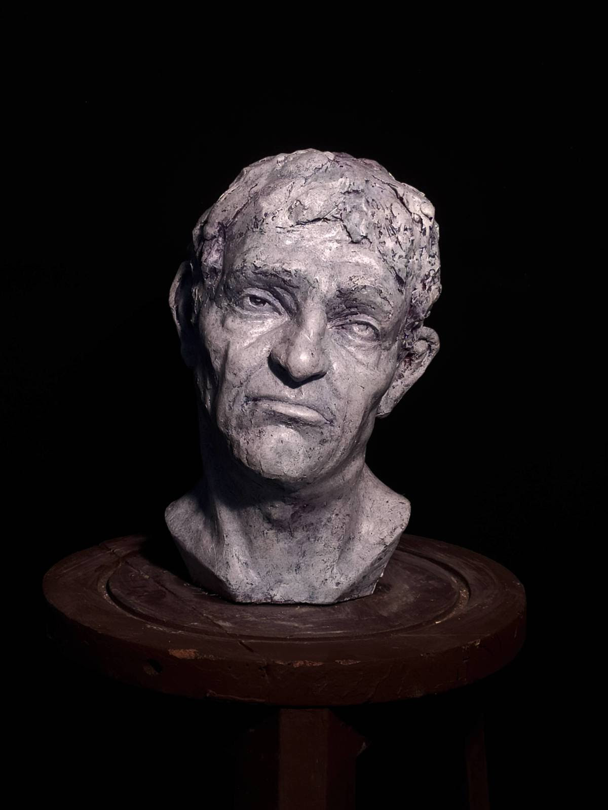 Tuerto - De Mendoza Sculpture