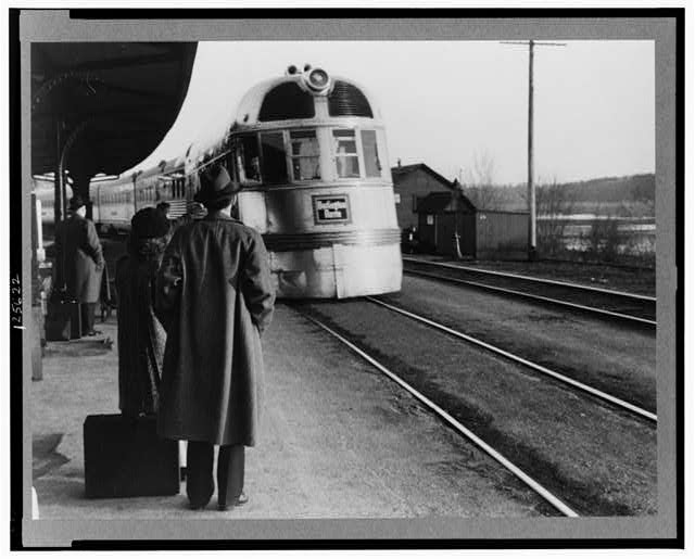 The Burlington Zephyr. East Dubuque, Illinois