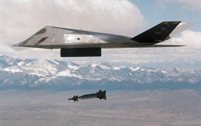 Bombardero táctico estadounidense F-117