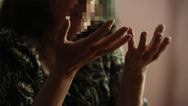 Marga (nombre ficticio), víctima de violencia machista, en el local de la asociación Generando Igualdad de Madrid. JAIRO VARGAS