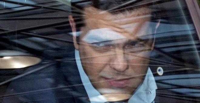 Alexis Tsipras abandona la cumbre del euro. PHILIPPE WOJAZER (REUTERS)